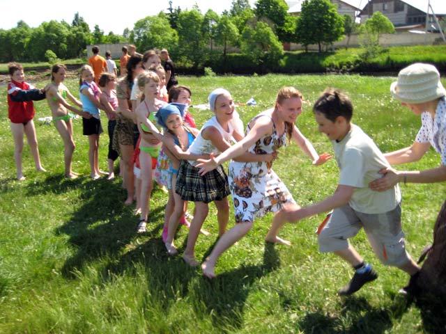 игры в детский лагерь для знакомства с